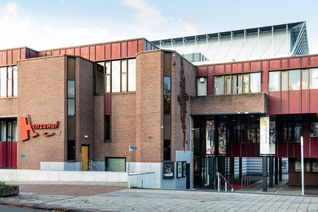 Hanzehof, theater en congrescentrum. Foto: Henk Derksen  © Achterhoek Nieuws b.v.