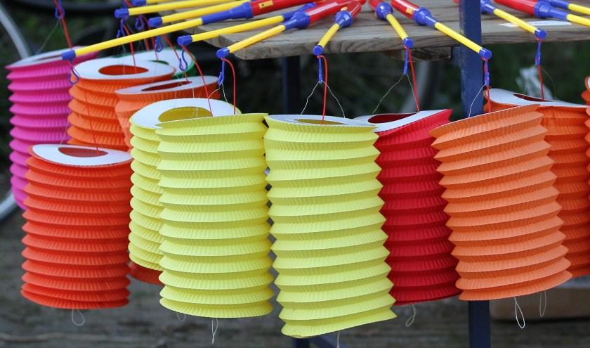 Lampionnen schijnen voor Sint Maarten. Foto: Liesbeth Spaansen