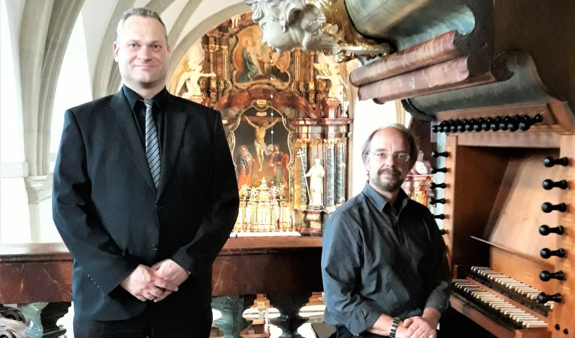 De trompettist Thomas Barenborg en de cantor Christoph Nierhaus (rechts). Foto: PR