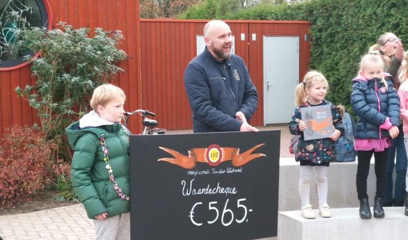 De opbrengst van de veiling komt ten goede aan de kinderen van basisschool De Garve. Foto: PR
