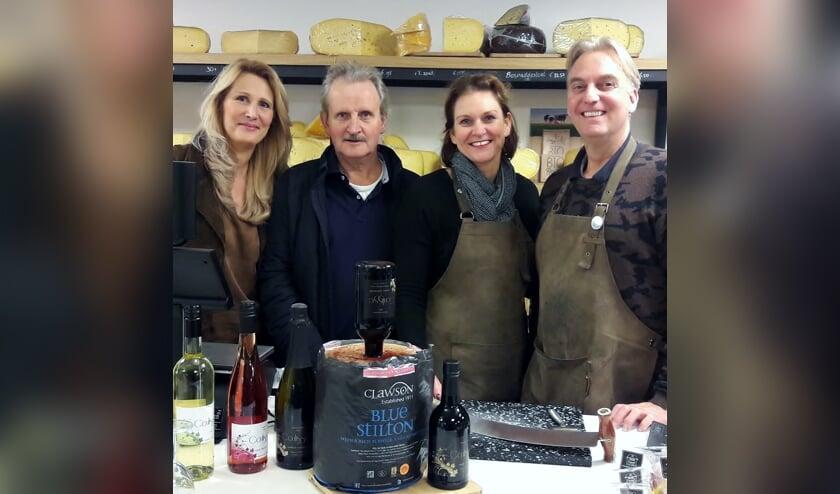 Diana van der Biezen & Gert Jan Voortman (Wijngoed Gelders Laren) en Marieke Nijhof & Han van Roozendaal (Gorssel Kaashuys & Wijnkooperij). Foto: PR