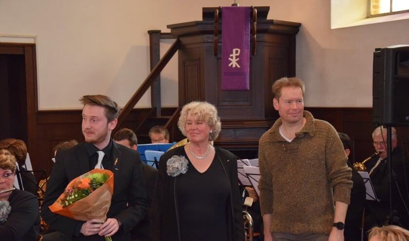 Carsten Flokstra en Jan Engels (12,5 jaar muzikant) en Karin Klein Lebbink (40 jaar). Foto: Hans Paul Bijsterbosch