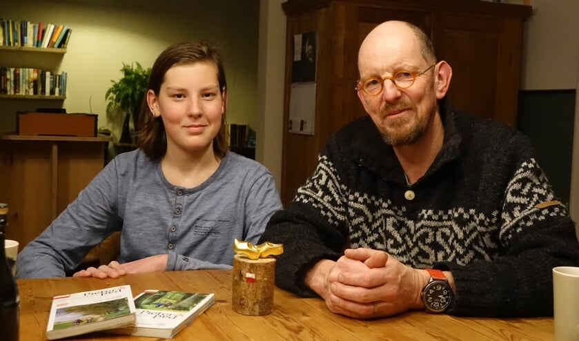 Teun en Henk vertellen over hun voettocht. Foto: Sis Huiskamp