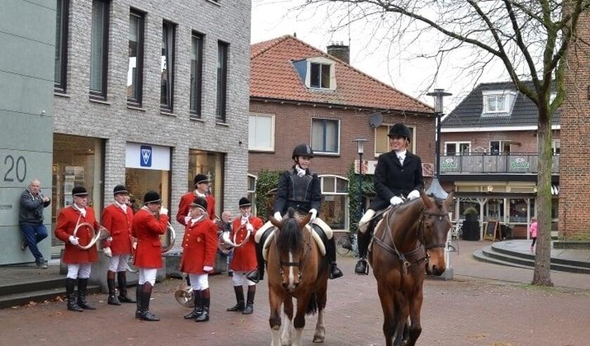 Hermance Gransberg-barones van Heeckeren van Kell en haar dochter Odylia Gransberg. Foto: Achterhoekfoto.nl/Johan Braakman.