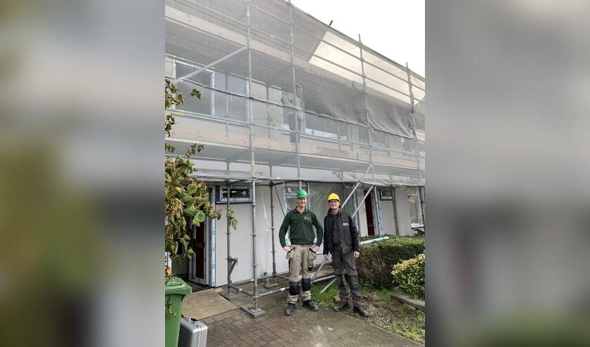 Maarten en Luuk bij het project aan de Slieperstraat in Beltrum. Foto: PR