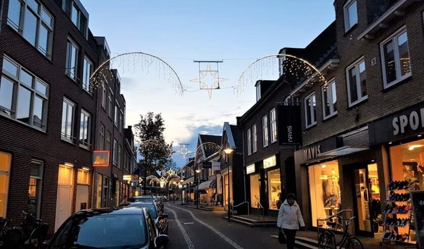 De winkelstraten in Aalten zijn sfeervol versierd. Foto: PR