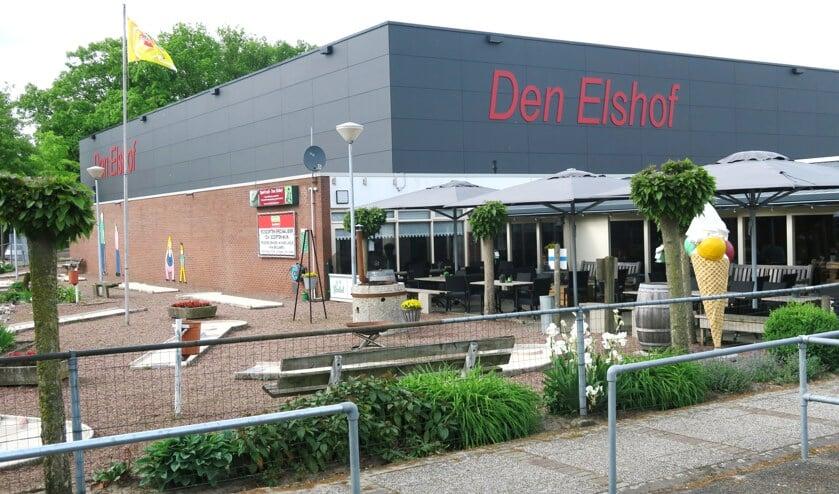 Sporthal Den Elshof is de locatie van het Open Grols Kampioenschap tafeltennis. Foto: Theo Huijskes/archief Achterhoek Nieuws