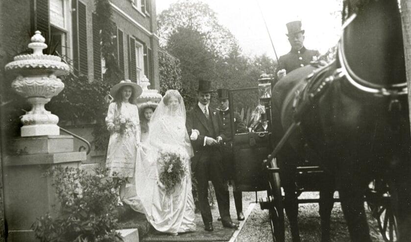 Een huwelijk op Mariëndaal in Oosterbeek in de jaren 20. Bron: Gelders Archief 1541–1009, Public Domain Mark 1.0 licentie.  Foto: PR