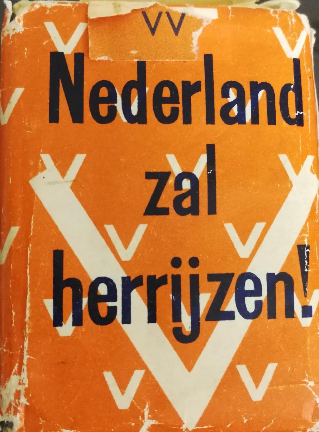 De tekst op een pakje sigaretten, zoals die door de geallieerden werden gedropt. Foto: PR  © Achterhoek Nieuws b.v.
