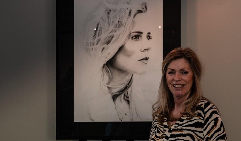 Saskia Klein Nulent exposeert haar werk in het Museumcafé. Foto: Henk Derksen