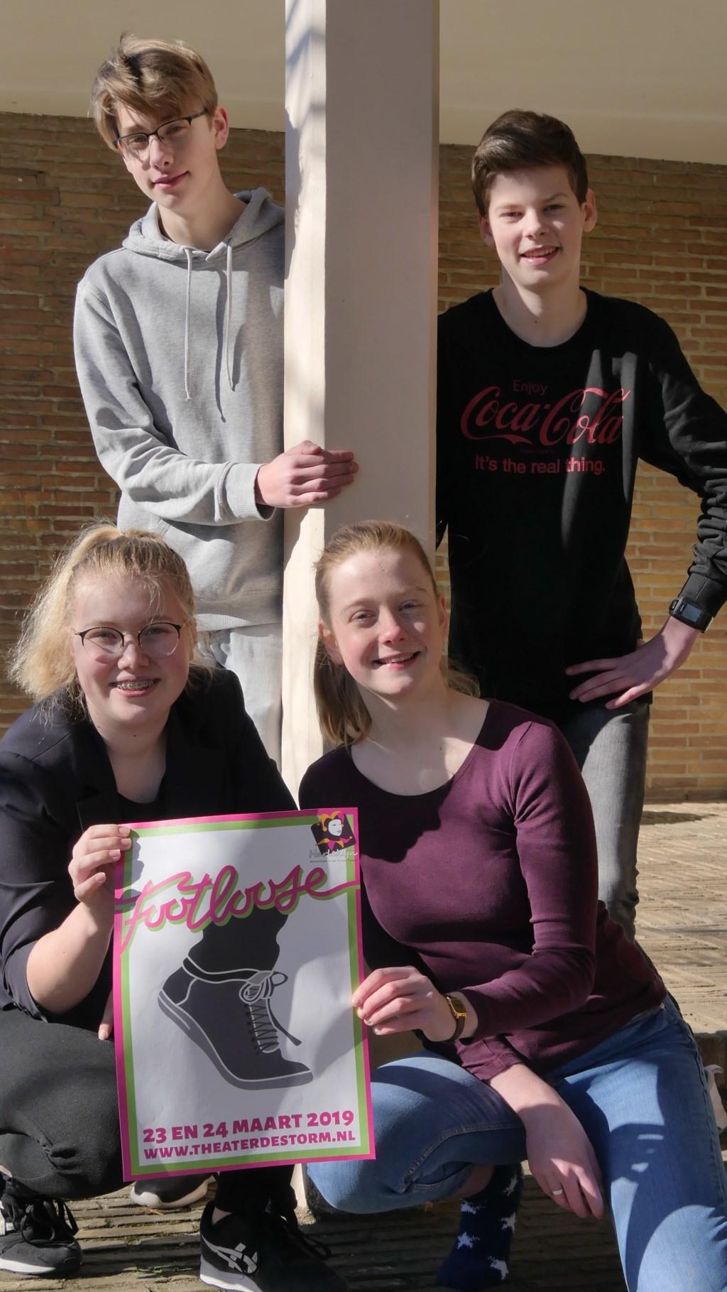 Rutger de Goede, Jurre Huls, Margo Mateman en Sophie de Goede spelen mee in 'de swingende dansmusical Footloose die Harlekijn op 23 en 24 maart  in Theater De Storm op de planken brengt. Foto: Jan Nekkers