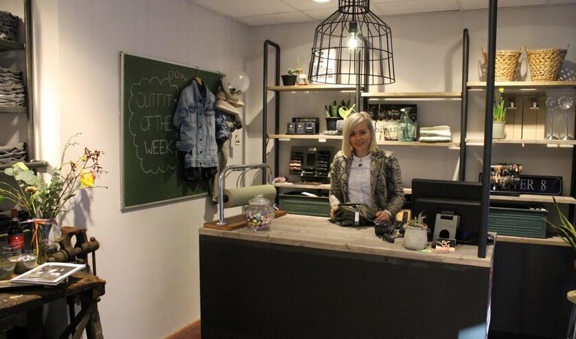 Linda Luiten in haar vernieuwde mannenmodezaak Pepper-8 Menswear. Foto: Kristel te Bokkel