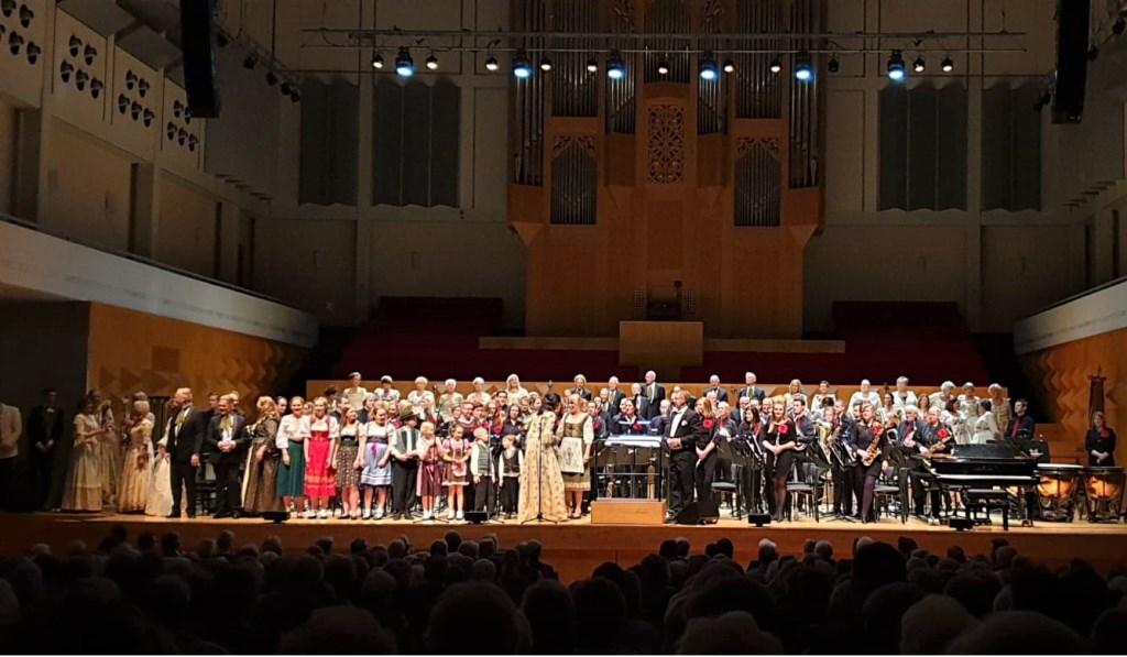 Het concert in een uitverkocht Muziektheater in Enschede. Foto: PR Foto: PR © Achterhoek Nieuws b.v.