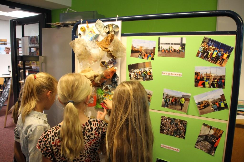 Presentatie van het bezoek aan afvalverwerker Remondis. Foto: Annekée Cuppers  © Achterhoek Nieuws b.v.