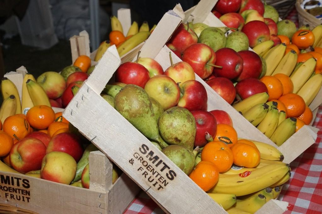 Volop fruit in allerlei soorten en maten. Foto: Frank Vinkenvleugel  © Achterhoek Nieuws b.v.