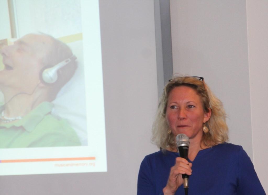 Manon Bruinsma over Music & Memory. Foto: Lydia ter Welle  © Achterhoek Nieuws b.v.