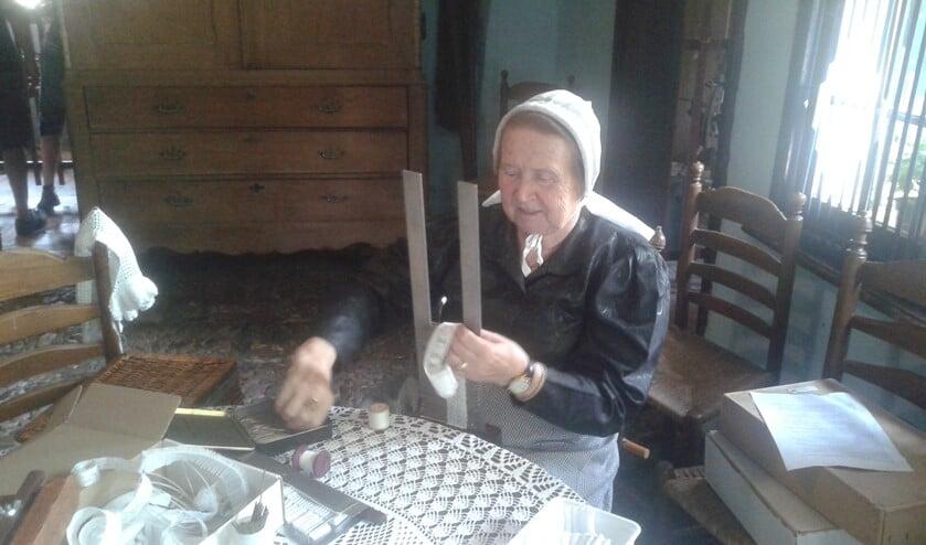 Ook het mooi opmaken van knipmutsen wordt getoond. Foto: PR