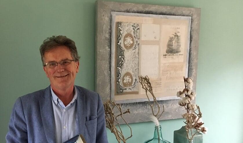Vincent is trots op zijn eerste boek. Foto: Barbara Pavinati