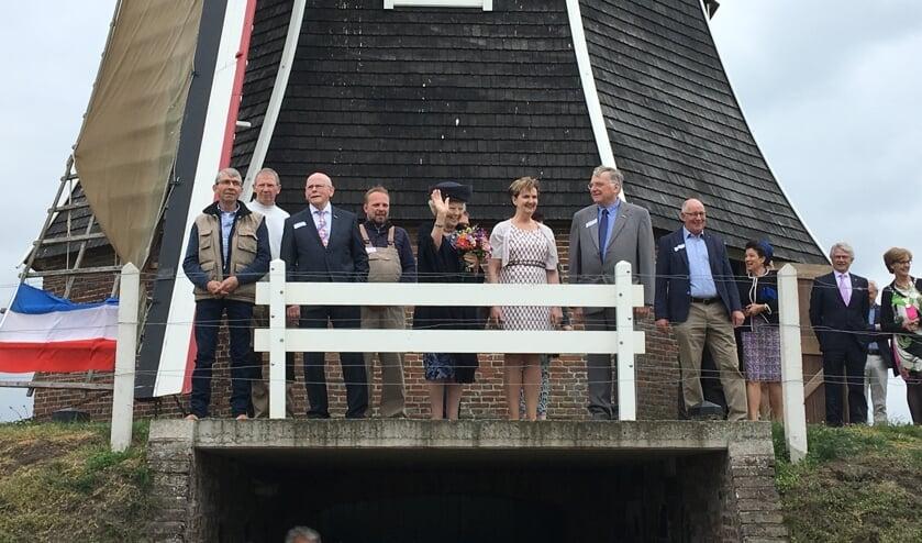 Prinses Beatrix bracht een bezoek aan de jarige molen Hermien. Foto: Barbara Pavinati