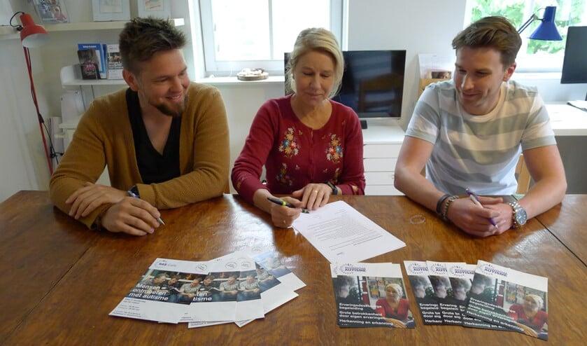 Bas Kruisman, Karin Rossel-Veldkamp en Maik Jansen (r) hebben allen met een groot  hart voor mensen met autisme