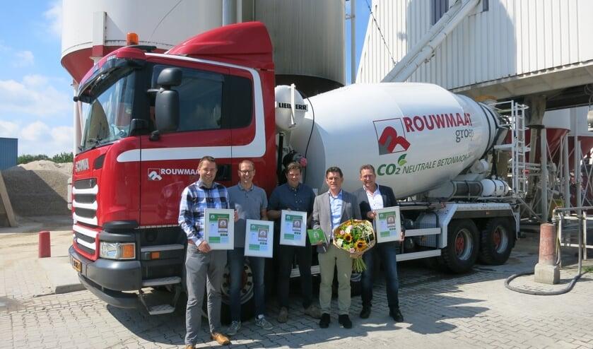 Dave Rouwmaat, Gerben van Sark, Otto van Baak en Jan Smit ontvingen de certificaten. Foto: PR
