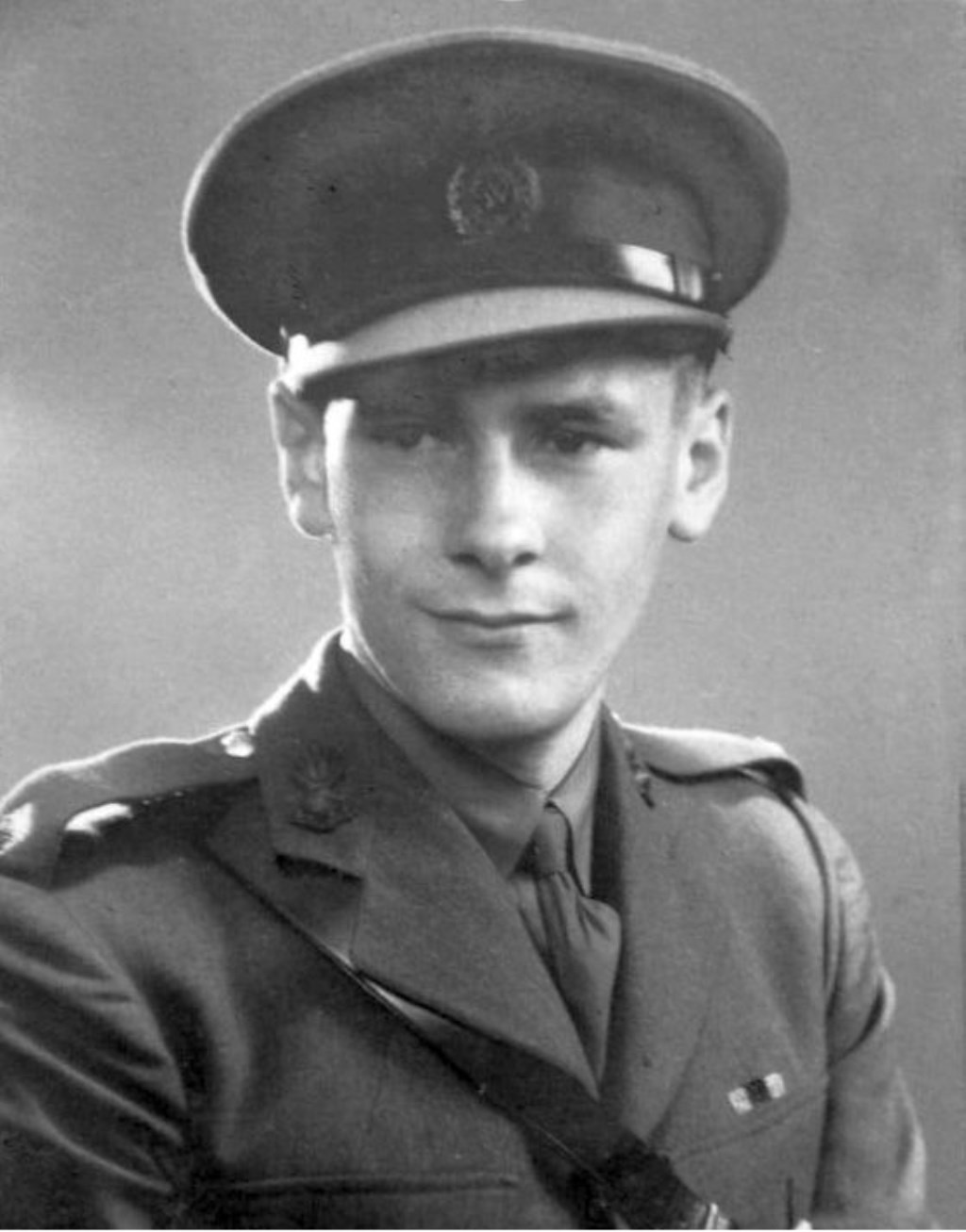 Luitenant Eric Spark die in Aalten sneuvelde op 31 maart 1945. Foto: PR Foto: Picasa 2.0 © Achterhoek Nieuws b.v.
