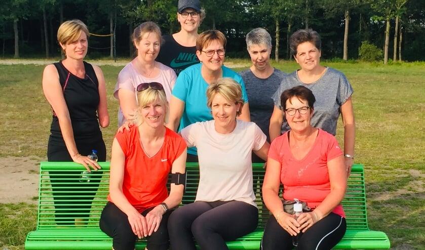 Een deel van het team van Food Move Balance, met in het midden zittend coach Mariska Grevers. Foto: Liesbeth Greven