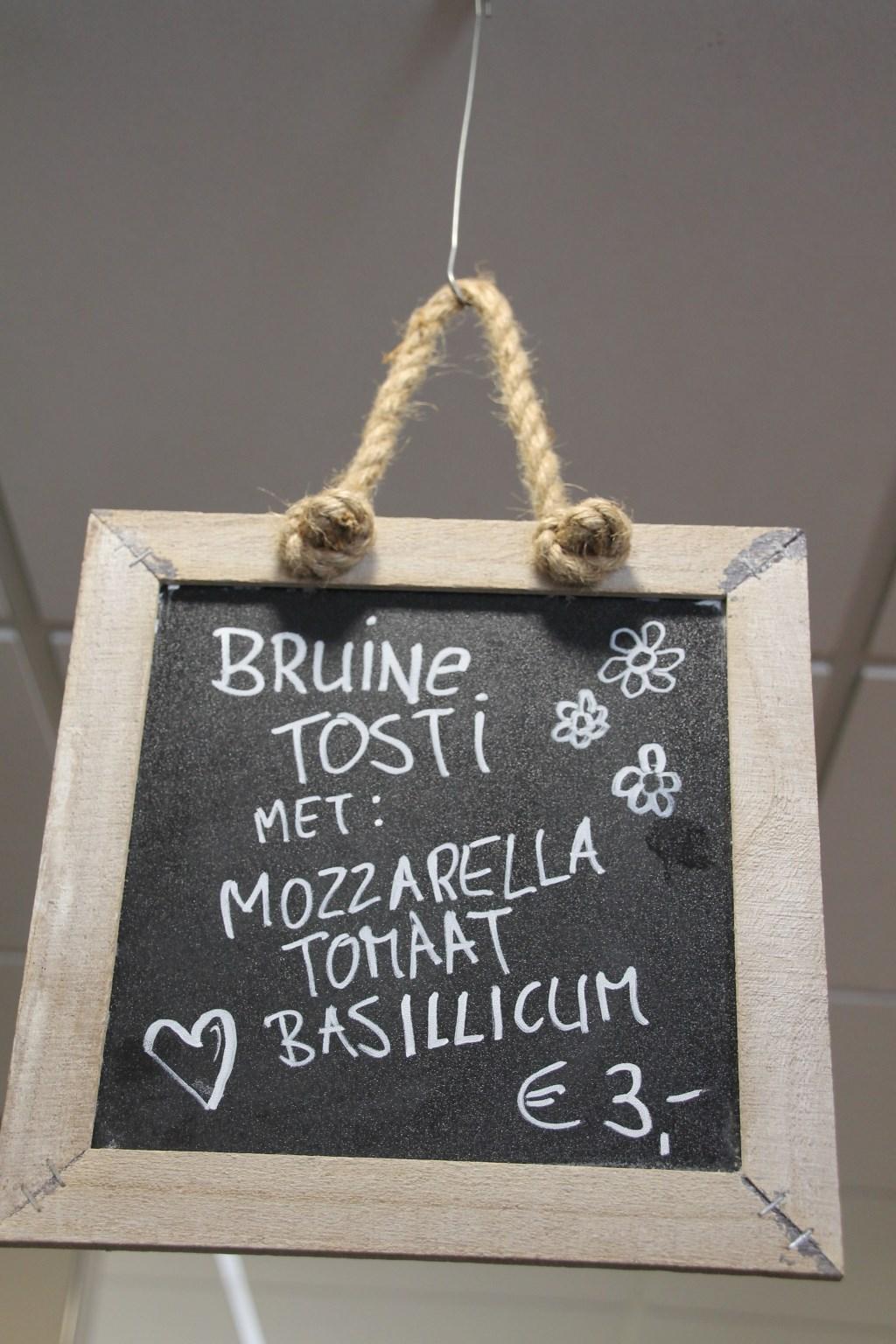 De gezonde tosti vindt volop aftrek. Foto: Annekée Cuppers  © Achterhoek Nieuws b.v.