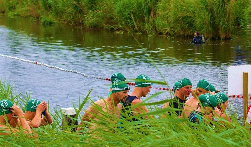 Te water voor de Zwemtocht Oude IJssel. Foto: Bernhold Nijland
