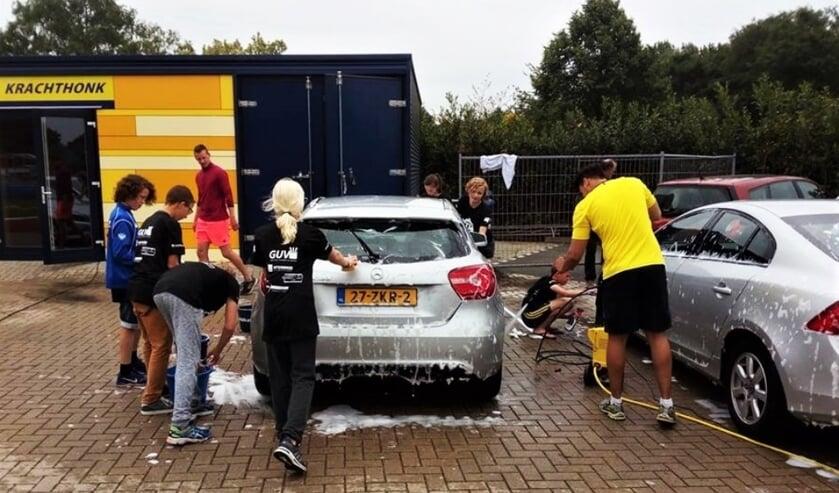 Ook in 2018 en 2017 was de AVA meets Texel Carwash een groot succes. Foto: Joppe Roos