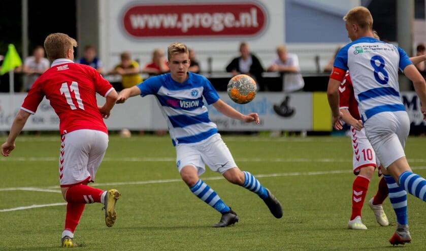 Férran Mombarg doorliep al vanaf zijn tiende jaar diverse jeugdelftallen van BVO De Graafschap. Foto: Marco Brunekreeft.