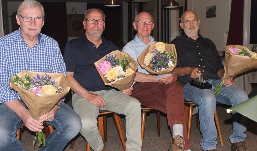 De vier finalisten van het biljarttoernooi in Lichtenvoorde. V.l.n.r.; Johan Rouwenhorst, Theo Kasteel, Harrie Waalders en Frits Gierveld. Foto: PR