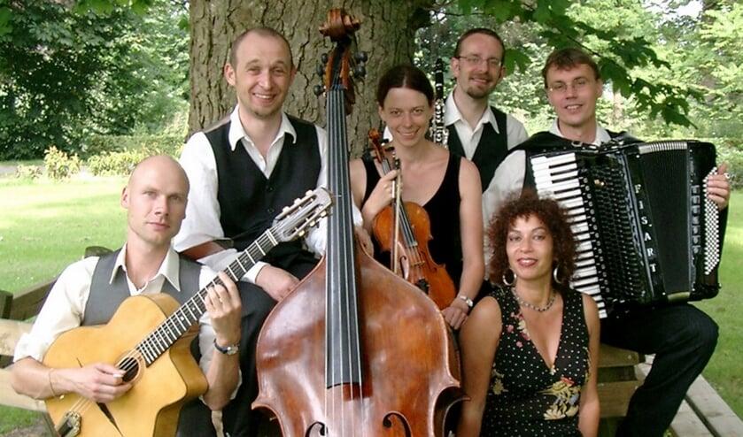 Mazzeltov werd met de cd 'Mishpoge' in 2005 genomineerd voor een Edison.Foto: PR