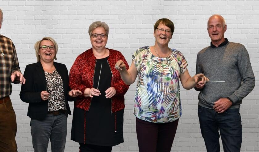 De kandidaten van Maestro Crescendo: Jaap van Gijssel, Petra Eland, Elise Wiendels-Hermans, Ali Luesink en Jan Rhebergen. Foto: PR