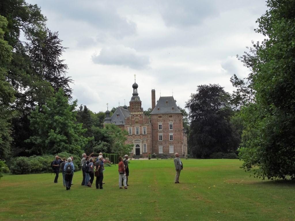 De leden bezochten de tuinen van kasteel Keppel. Foto: Gerlinde Bulten  © Achterhoek Nieuws b.v.