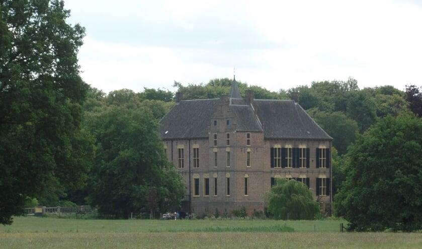 Vordenaar Arie Winkel heeft uit sympathie aangegeven de helft van de kosten voor de huur van de kasteelweide voor zijn rekening te nemen omdat hij van mening is dat het niet zo mag zijn dat evenementen als de Kastelenrit niet op de kasteelweide plaats kan vinden. Foto: Jan Hendriksen.