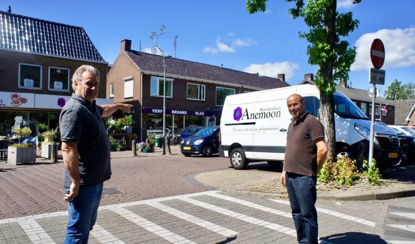 Peter van Houten en Mehmet Kursun vrezen net als hun collega's voor klandizie als de huidige plannen doorgaan. Foto: Susan Wiendels