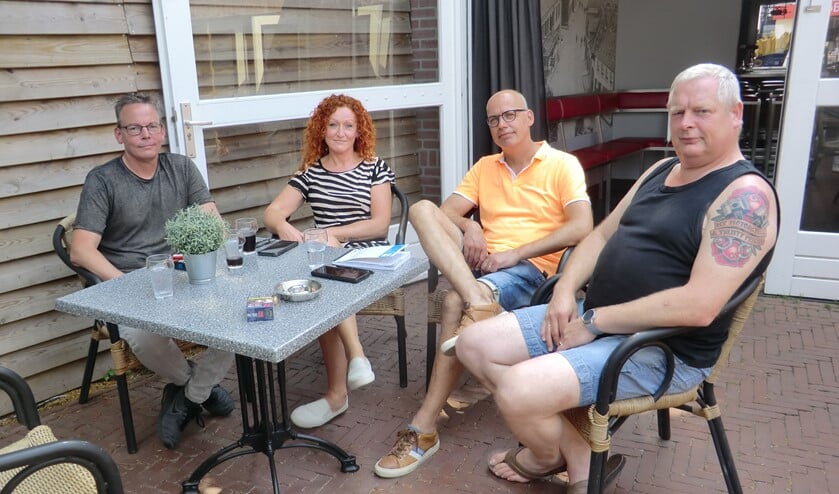 foto v.l.n.r. Jonnie Albers, Jessica Hartjes, Frank Horstik en Rudi Buitenhuis. Foto: Walter Hobelman