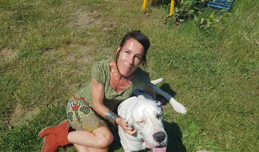 Lineke (43) vertrekt in september naar Rusland voor stamceltherapie. Een behandeling die niet vergoed wordt. Foto: Kyra Broshuis