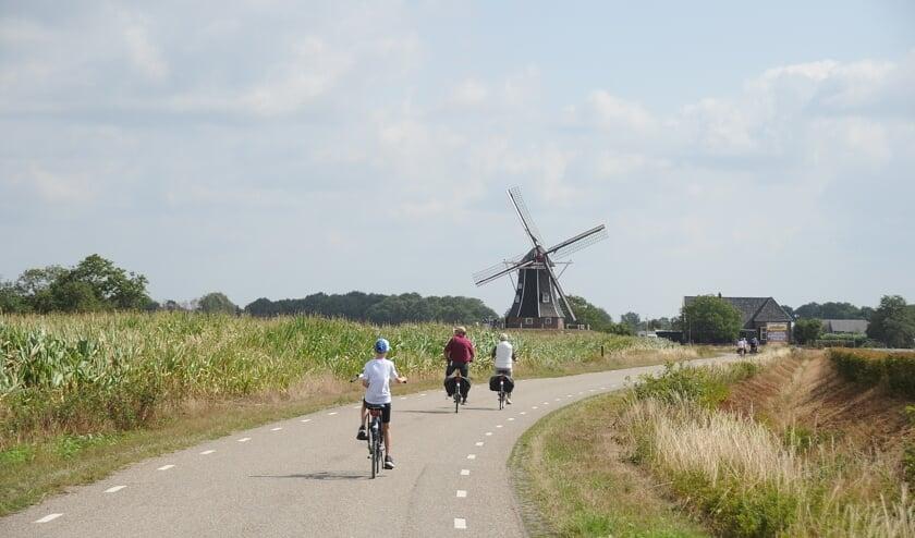 Stap op de fiets om de gemeente Bronckhorst te verkennen. Foto: Achterhoekfoto.nl/Johan Braakman