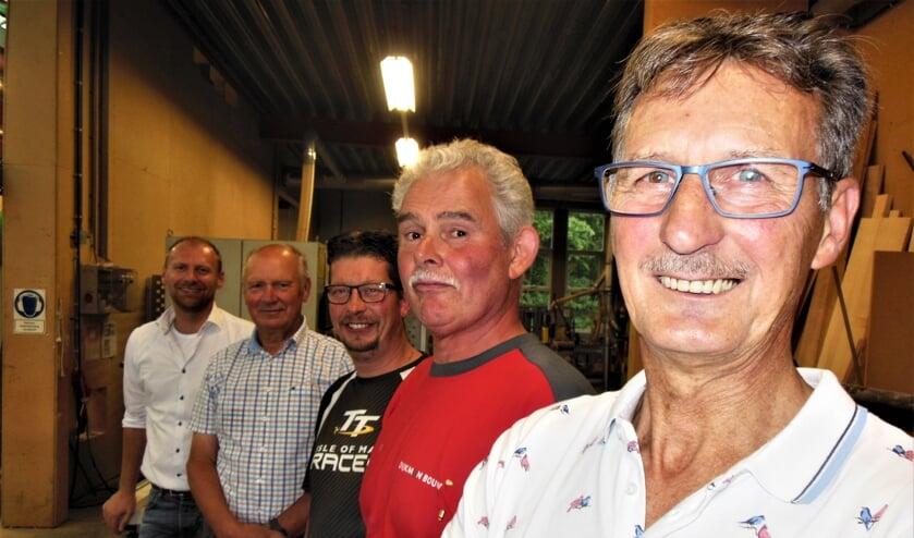 Van achter naar voren: Jos Dijkman, Jan Dijkman, Gerben Mullink, Martin van Hardeveld en Hans ter Maat. Foto: Eric Klop