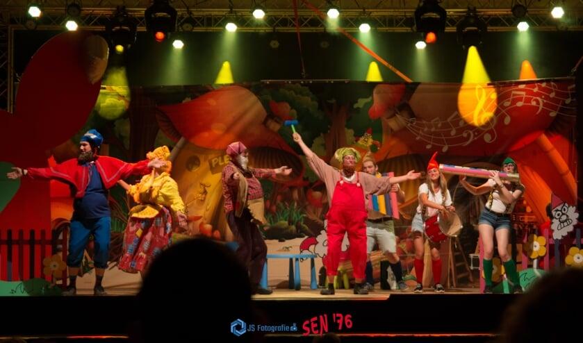 Een van de historische optredens tijdens de Koepel Knoepel Playbackavonden. Foto: JS Fotografie