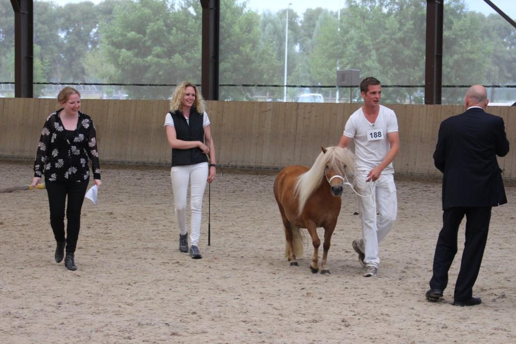 Bram Koster met Hester van Stal Beatrix Foto: Frank Buiting © Achterhoek Nieuws b.v.