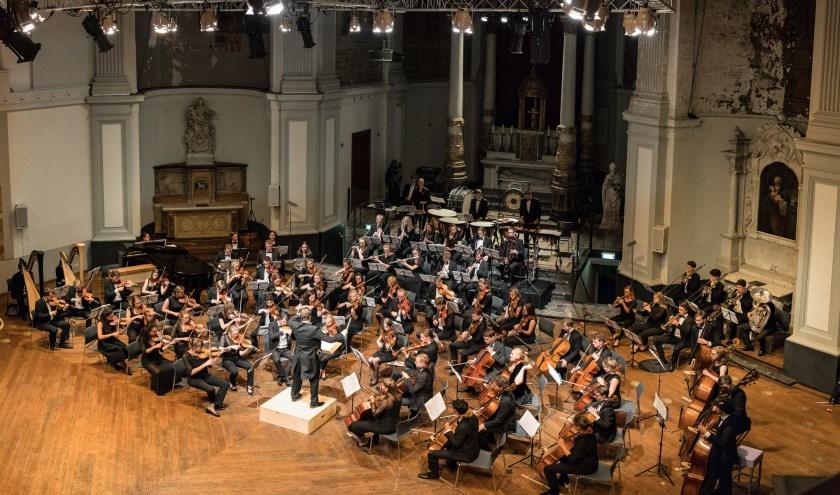Het projectmatige symfonieorkest bestaat uit conservatoriumstudenten, recent afgestuurde professionele musici en top-amateurs Foto: Rene Knoop