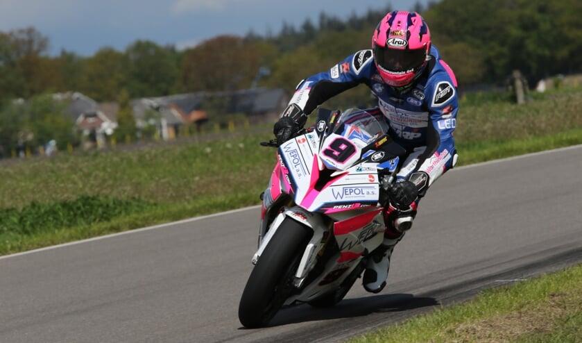Nieuwe IRRC Superbike kampioen Davey Todd. Foto Henk Teerink