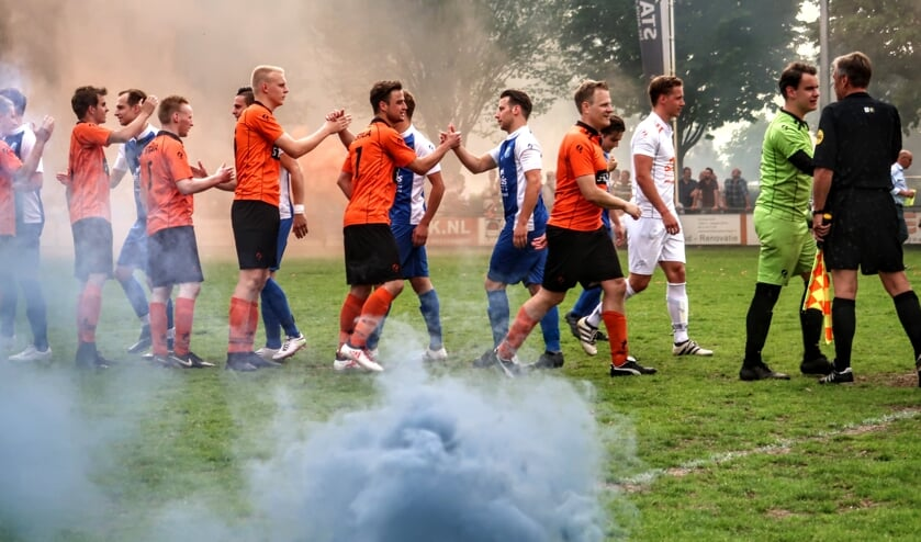 De derby tussen Pax en Keijenburgse Boys leverde in 2018 veel spektakel op. Tijdens het Quick-toernooi treffen de clubs elkaar opnieuw. Archieffoto: Luuk Stam