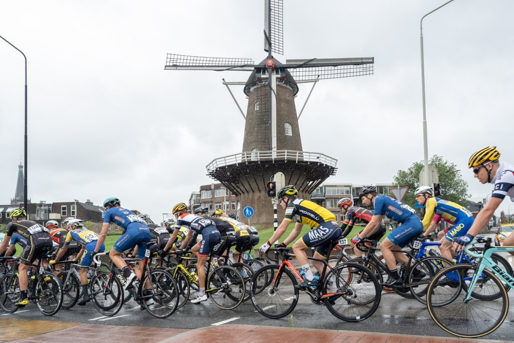 De start van de koers was in Doetinchem. Foto: Burry van den Brink  © Achterhoek Nieuws b.v.