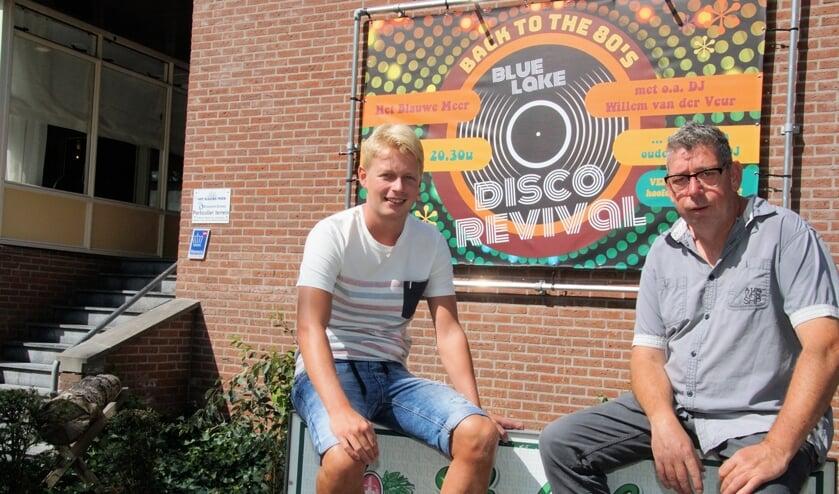 Ramon Radstaak en Ronnie Kraaijenbrink kijken uit naar de Disco Revival. Foto: Frank Vinkenvleugel