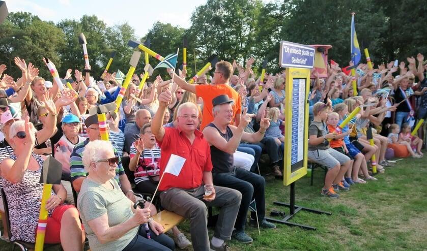 Zomer in Gelderland in Zwolle met meer dan duizend belangstellenden. Foto Theo Huijskes