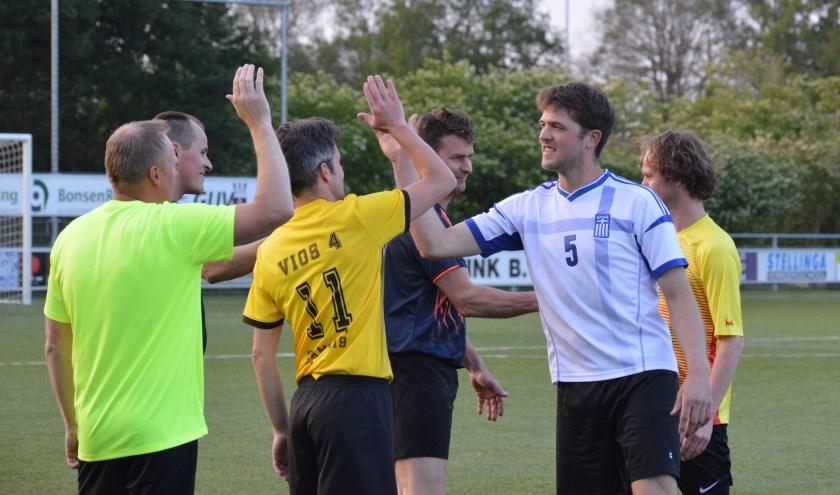 Lekker recreatief voetballen kan ook bij Vios B. Foto: PR